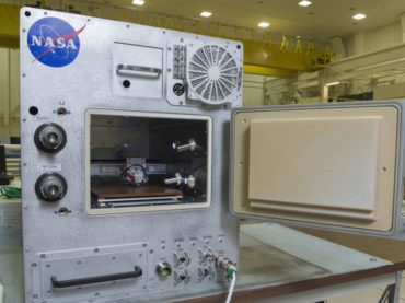 Hybrid 3D printer Refabricator recycles plastic for 3D prints in-space